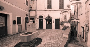 Piccola Biblioteca, Sanremo, Pigna, Centro storico